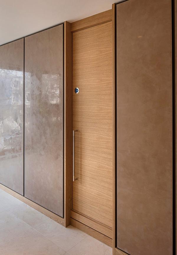 Shadbolt_ENcore_veneered_fire_doors