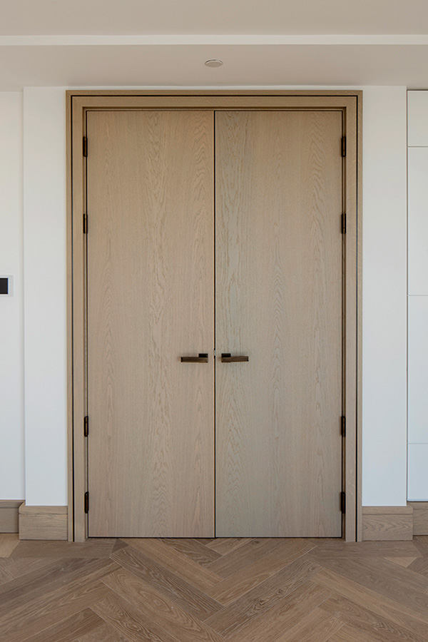 Shadbolt_Shadcore_veneered_double_doors