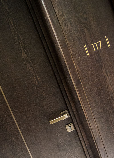 Shadbolt_veneered_acoustic_doors