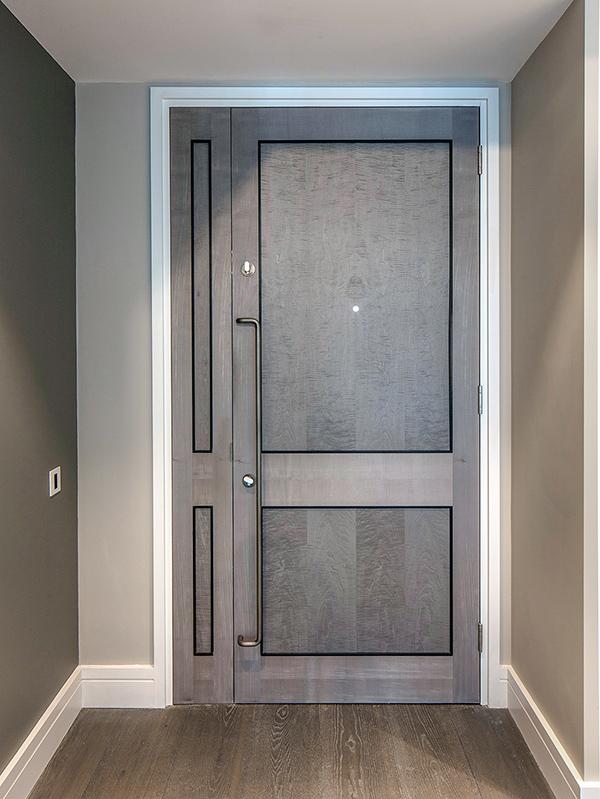 Shadbolt_Young_Street_interior_panelled_door