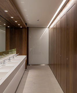 Shadbolt_washroom_cubicles_&_interiors